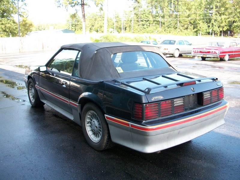 1989FordMustangGTConvertible005A