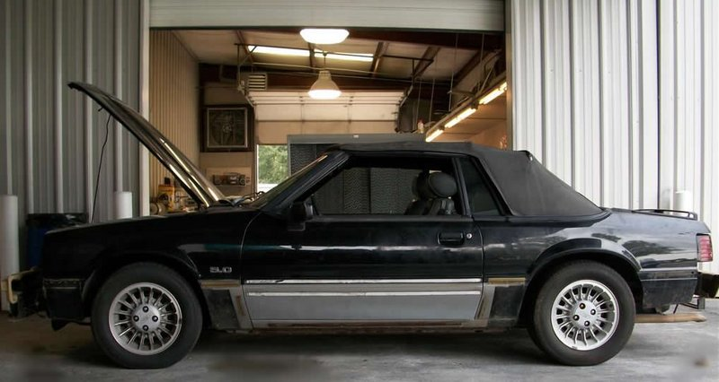 1989FordMustangGTConvertible021A