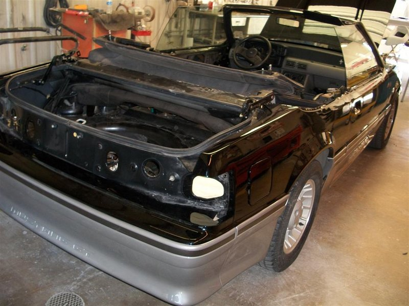 1989FordMustangGTConvertible070A