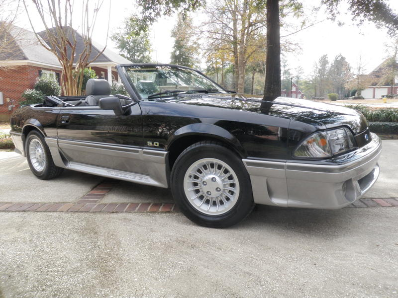 1989FordMustangGTConvertible077A